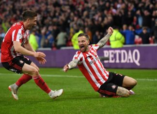 Sunderlands Chris Maguire feirer en scoring.